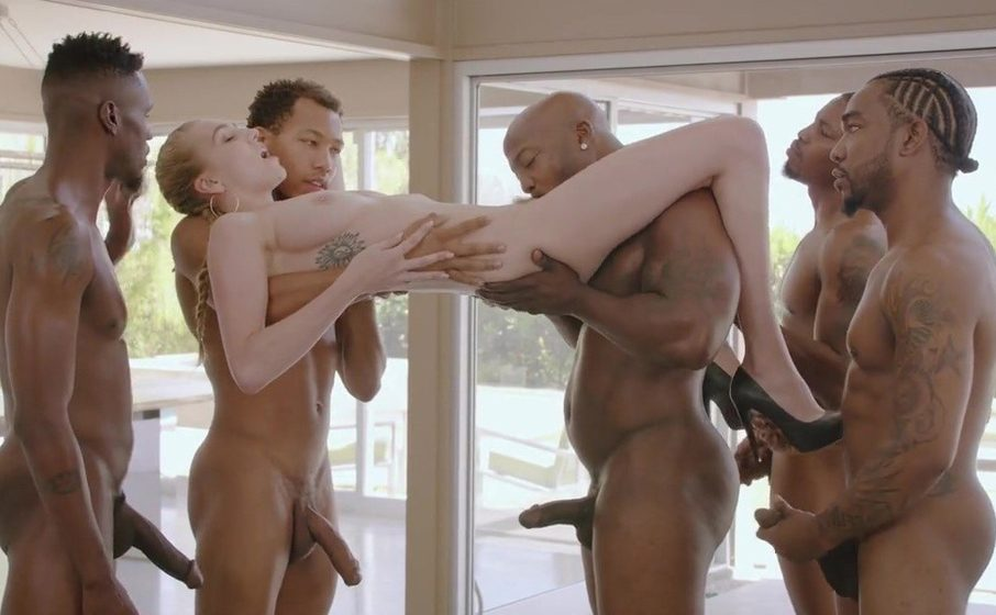 Kendra Sunderland blacked! She fucked five black guys in a gangbang